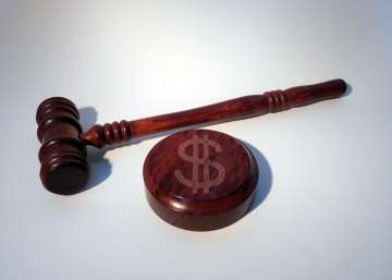 A gavel alimony in divorce